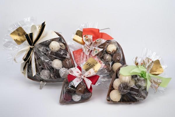 Schokoladenherz mit Trüffel gefüllt